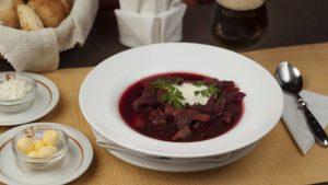 Sopa Borscht con crema agria