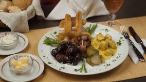 Cubitos de Lomito y mandioca frita