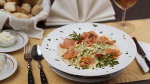 Fetuccini con Salmon y caviar